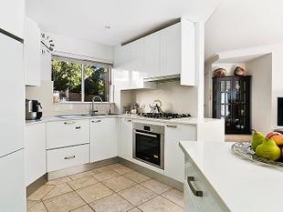 Stunning north facing townhouse with executive style renovation - Russell Lea