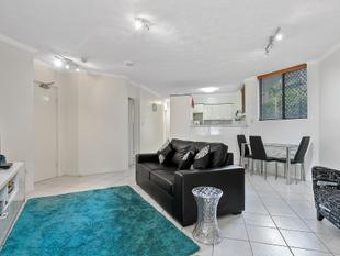 Furnished two bedroom unit in resort style complex - Toowong