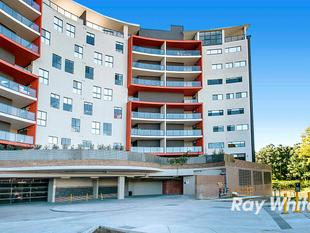 Top floor massive three bedroom apartment in a great location! - North Rocks