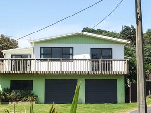 Beach Home and a True Kiwi Bach - Dargaville
