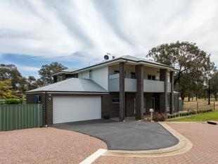 A Majestic 2016, Family Residence with Pool....Consolidated Living at its Finest!' - Noarlunga Downs