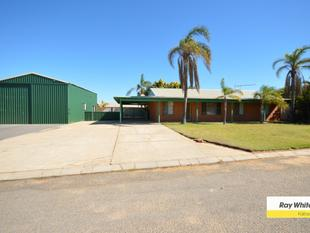 Wow great location and check out the shed - Kalbarri