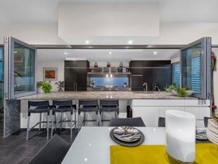 Luxurious Contemporary Masterpiece...Every day here will feel like a holiday - Coorparoo