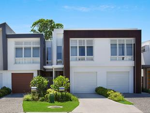 Modern Townhouse with Central Location - Robina