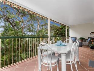 Top Floor Spacious Unit with Huge Private Entertainment Balcony - Gordon Park