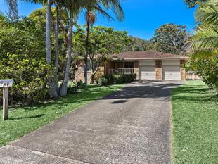 Big family home on versatile corner block - Emerald Beach