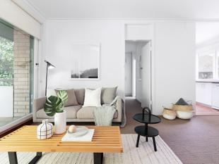 Sun-Filled Apartment Overlooking Chiswick Gardens - Woollahra