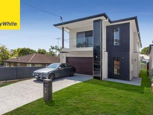 First Weeks Rent Free. New Luxury Home - Mitchelton