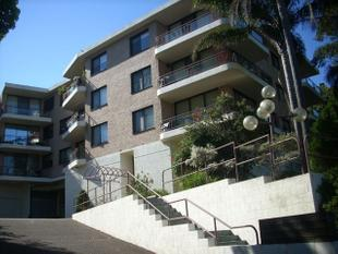 BRIGHT & SPACIOUS 2 BEDROOM APARTMENT WITH RACECOURSE VIEWS!!! - Randwick