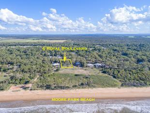 1 ACRE OF CLEAR OCEAN FRONT LAND - Moore Park Beach
