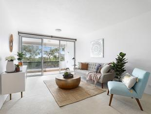Oversized classic in a superb locale - 86.2 sqm living space - Chatswood