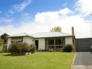 Perfect Location - Casterton