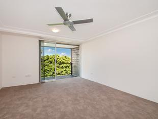 Bright and Sunny Two-Bedroom Apartment - Mosman