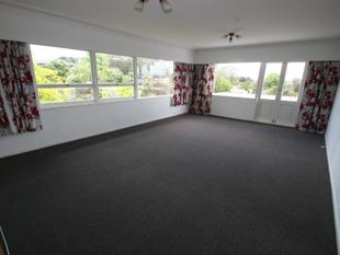 3 Bedrooms, 1 Study, 1 Office, Forrest Hill - Forrest Hill