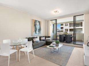 Spacious Apartment Designed For Premium Comfort - Bondi Junction