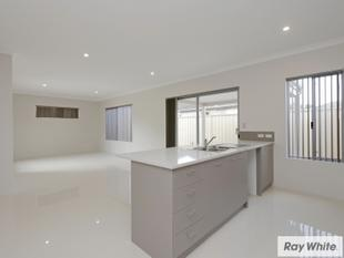 DOWN BY THE RIVER....LUXURY TOWNHOUSE..... - Cannington
