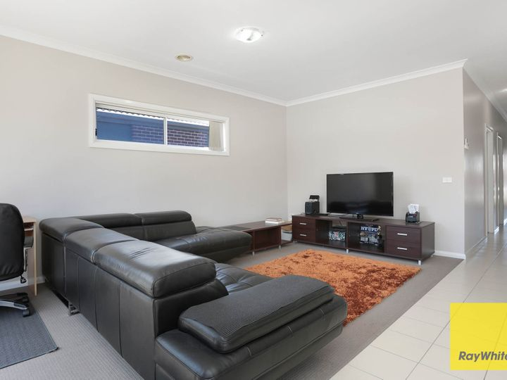 58E Tom Roberts Parade, Point Cook, VIC