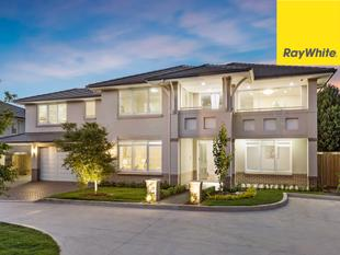 Brand new impressive BINET HOMES residence on Private Estate - Epping