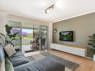 SECLUDED AND PEACEFUL TOWNHOUSE - Graceville