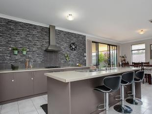 SPACIOUS FAMILY HOME - Baldivis