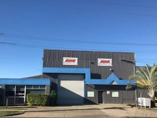 Main Road Office/Warehouse Space! - Seventeen Mile Rocks