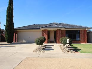 Picture Perfect Four Bedroom Home - Cobram