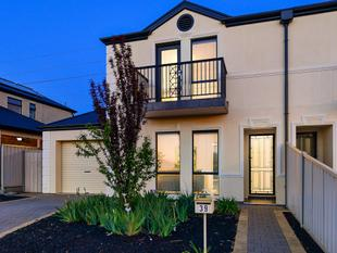 Gorgeous Townhouse In A Fantastic Location - Northgate