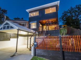 SUPERBY RENOVATED HOME - A MUST SEE! - Paddington
