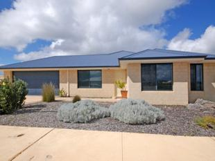 4 x 2 QUIET LOCATION - Jurien Bay