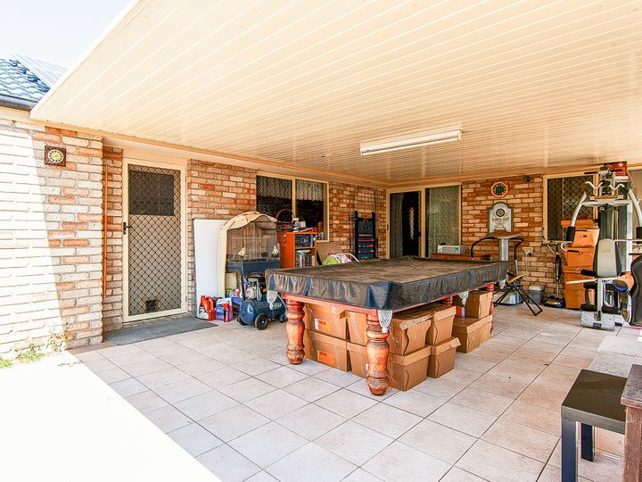 18 Oakwood Drive, Waterford West, QLD