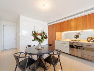 Contemporary and convenient, 2 bedroom apartment - Chippendale