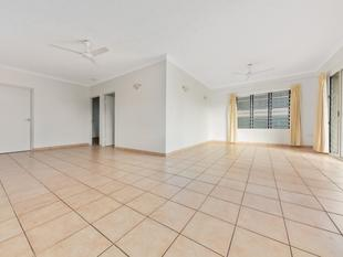 SENSATIONAL FRESHLY PAINTED UNIT IN THE HEART OF THE CITY! - Darwin City