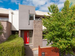 Easy-Living Excellence with the Best Views in Town! - Craigieburn