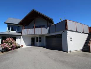 THE VERY BEST FOR GUESTS AND FAMILY - Te Anau
