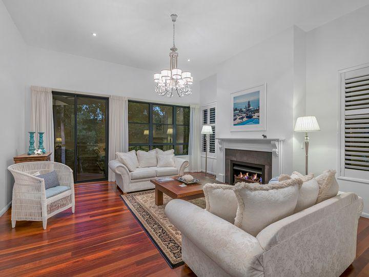 35 Ironbark Place, Bridgeman Downs, QLD