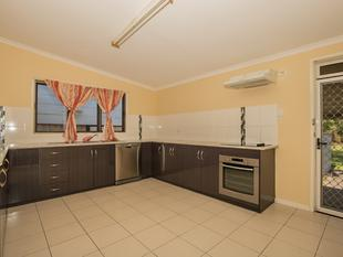 3 Bedroom Home PLUS additional Study, Nursery or Smaller Bedroom - Rocklea