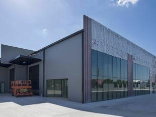 FRONT OF COMPLEX WAREHOUSE/SHOWROOM - Meadowbrook