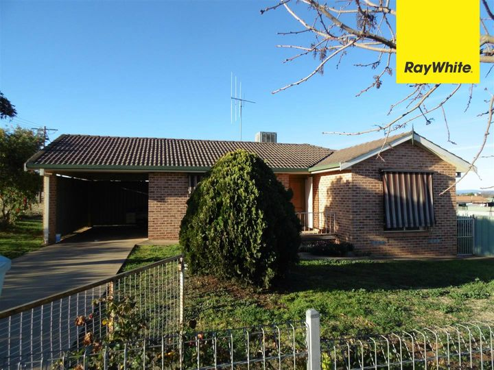 2 Warragrah Place, Parkes, NSW