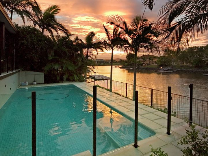 1033 Rosebank Way, Hope Island, QLD