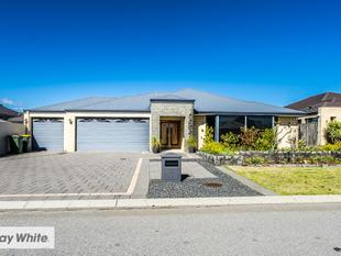 "Stunning Family Home with ""The Vines Golf Course"" at your doorstep - The Vines"
