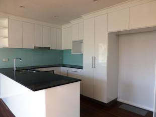 RENOVATED 3 BEDROOM HOME IN QUIET STREET - Slade Point
