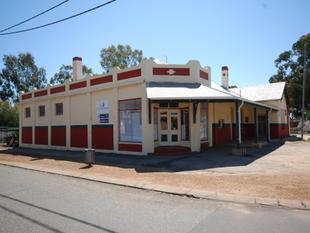 UNIQUE PROPERTY READY FOR EITHER BUSINESS OR INVESTMENT - Narrogin