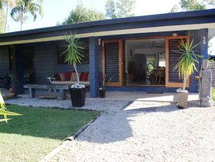 Holiday Beach House Opposite Dunk Island - Wongaling Beach