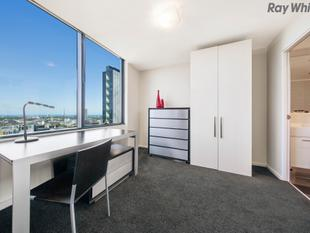 Space and Style in a Sophisticated Package - Southbank