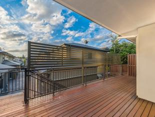 Spacious Ascot Apartment with Large Entertaining Deck - Ascot