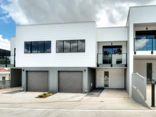 BRAND NEW 4 BEDROOM DELUXE HOME - Springwood