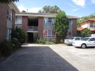 EXCEPTIONAL 2 BEDROOMS APARTMENT IN QUIET STREET - FIRST FLOOR - Oakleigh