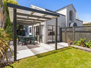 Private, Sunny Hideaway - Ellerslie