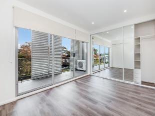 SPACIOUS NEAR NEW 1 BEDROOM UNIT - Mortlake