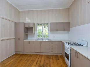 ONE OF THE CHEAPEST HOUSES IN PADDINGTON! NEAT AS A PIN!  WONDERFUL LOCATION! - Paddington